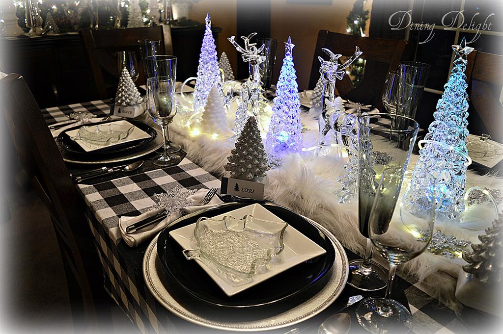 Acrylic-Light-Up-Christmas-Tree-Centerpiece.jpg