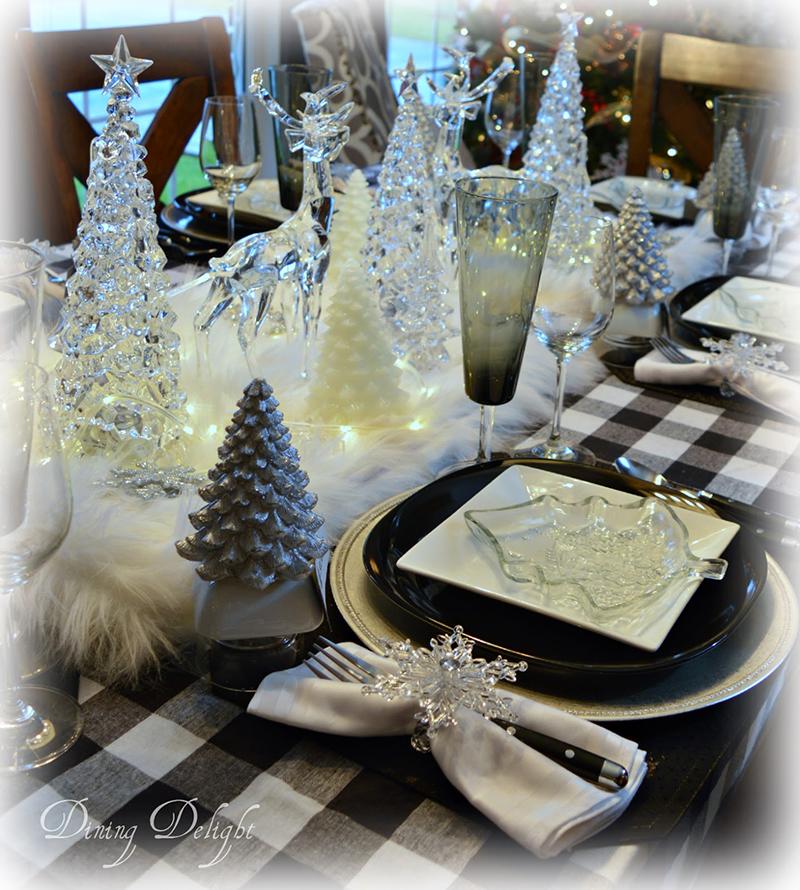 Christmas-Black--White-Buffalo-Check-Table.jpg