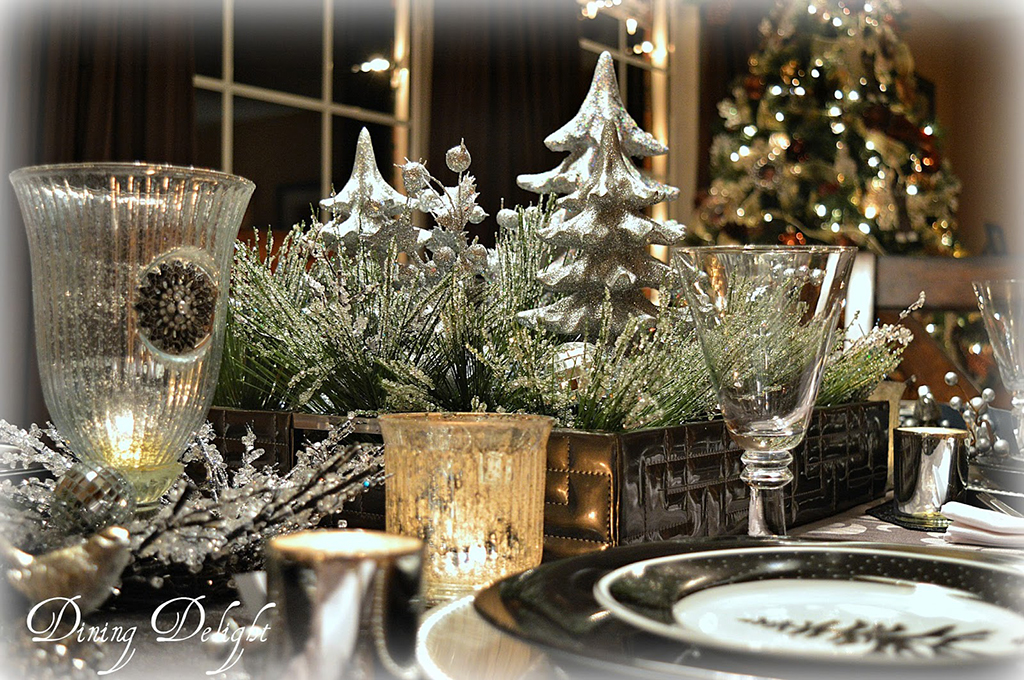 Christmas-Tablescape-by-the-Tree.jpg