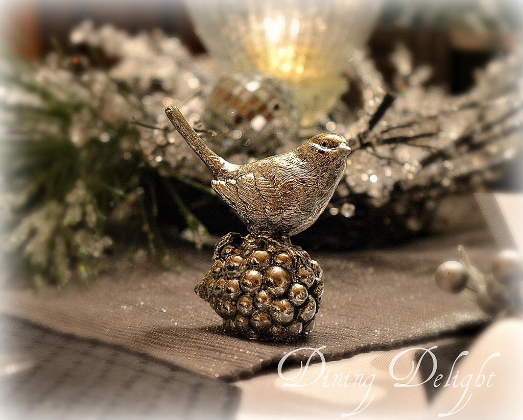 Silver-Bird-Table-Decoration.jpg