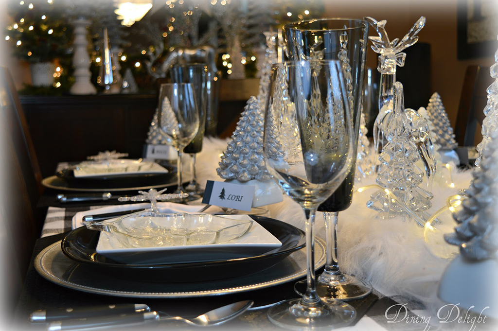 White-and-Black-Christmas-Tablescape.jpg