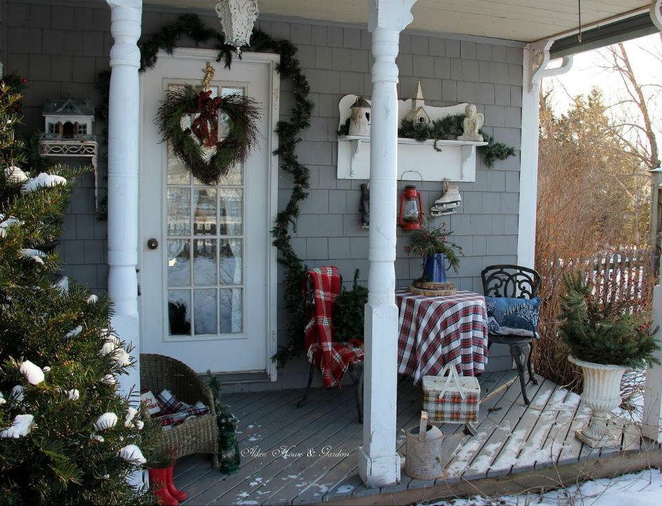 porch-2018-12-11-22.jpg